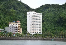 Holiday View Cat Ba Hotel